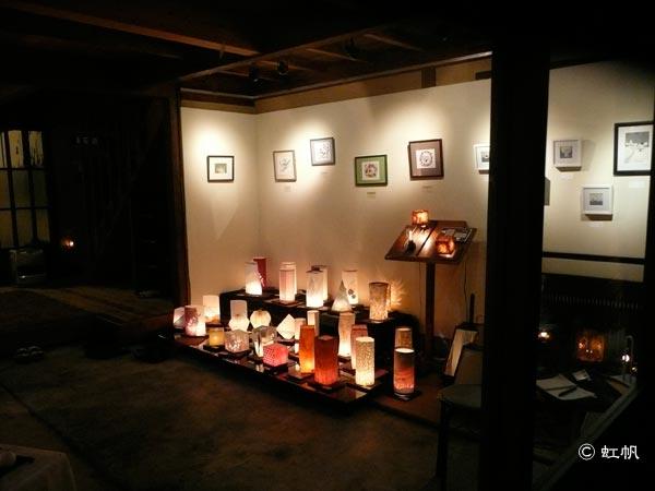 be京都の外から灯り作品・ポストカード 原画を撮影した様子